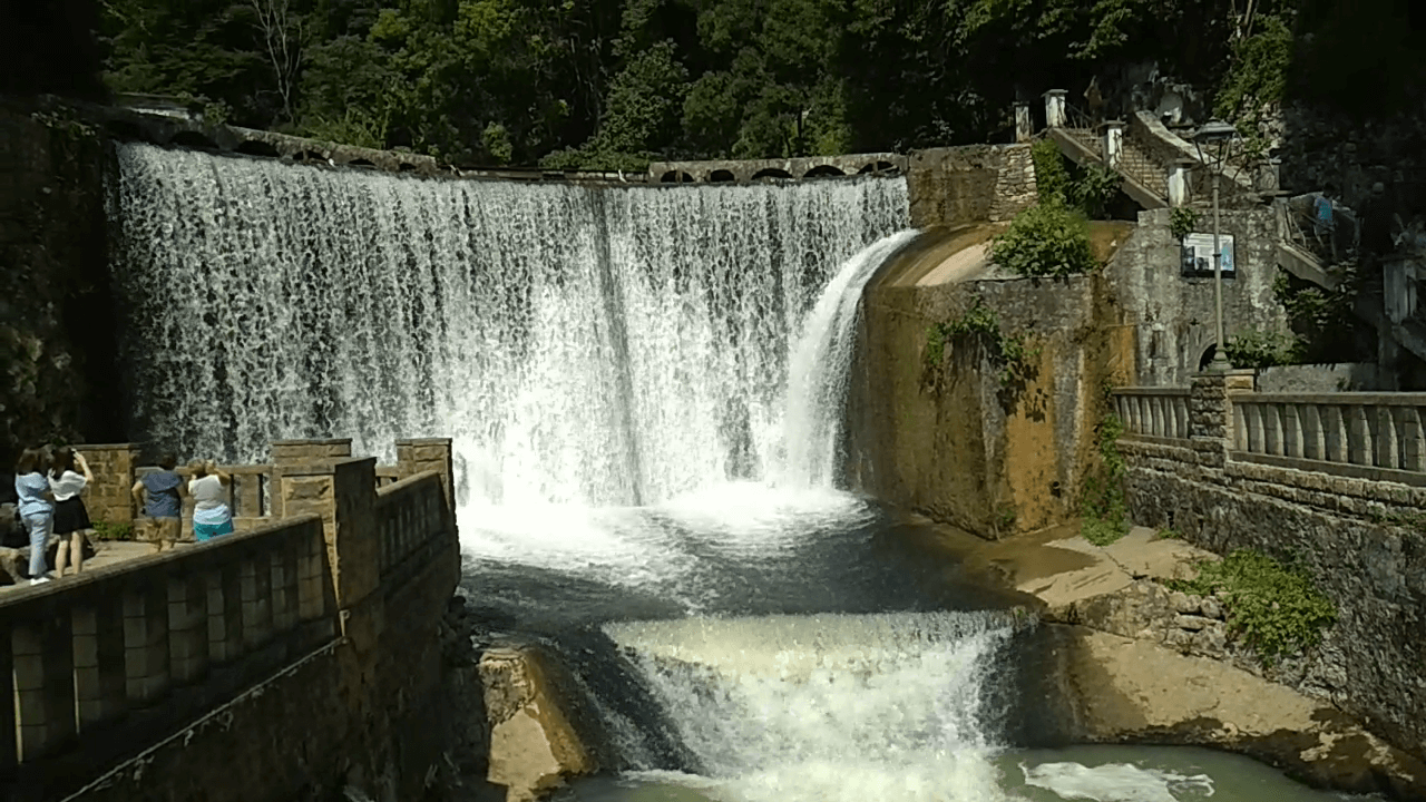 noviy-afon-vodopad01